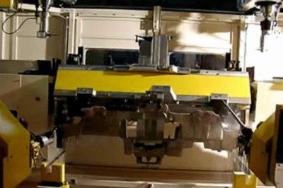 Macchina Lavorazione Cruscotto in Titanio Alfa 159